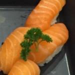 Sushi dupla de salmao - NAKOMBI